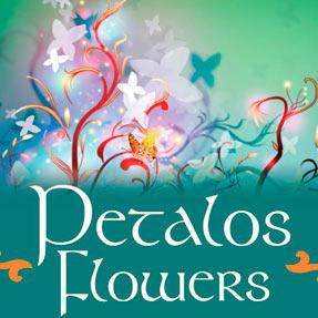 Petalos Flowers Poster